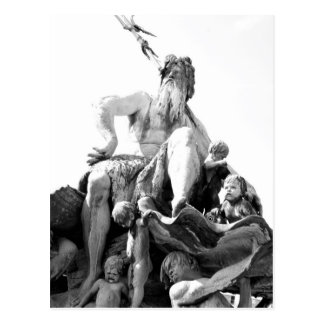 Carte Postale La fontaine de Neptune à Berlin, Allemagne
