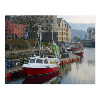 Carte Postale La Norvège, port sur la côte du nord