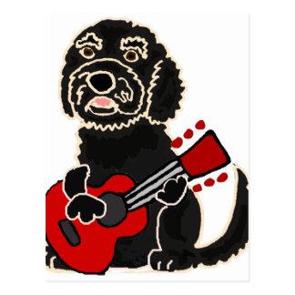 Carte Postale Labradoodle drôle jouant la guitare