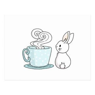 Carte Postale Lapin avec une tasse de thé