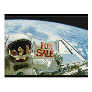 Carte Postale L'astronaute vend la terre