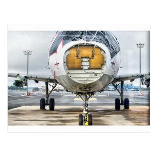 Carte Postale L'avion cassé à l'aéroport