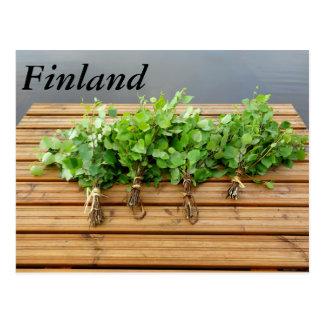 Carte Postale Le bain finlandais traditionnel bat sur une jetée