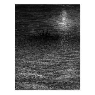 Carte Postale Le bateau abandonné en mer éclairée par la lune