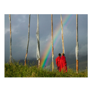 Carte Postale Le Bhutan, village de Gangtey, arc-en-ciel plus de