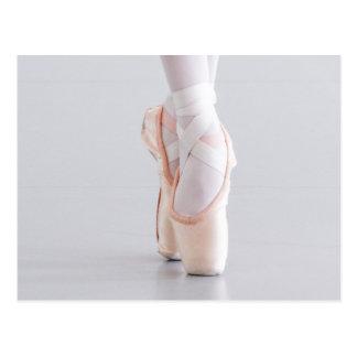 Carte Postale Le danseur classique Pointe chausse les pantoufles