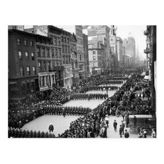 Carte Postale Le défilé des policiers sur la 5ème avenue, NYC :