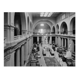 Carte Postale Le musée égyptien. Intérieur de Hall principal