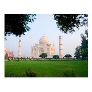 Carte Postale Le Taj Mahal au lever de soleil un des merveilles