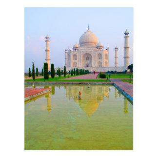 Carte Postale Le Taj Mahal de renommée mondiale paisible