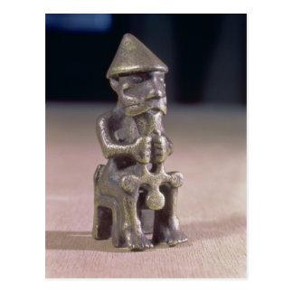 Carte Postale Le Thor avec un marteau, statuette a trouvé en