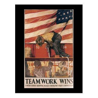 Carte Postale Le travail d'équipe gagne la deuxième guerre