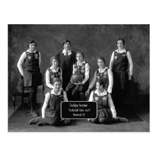 Carte Postale L'équipe de basket vintage des femmes, 1928, QC