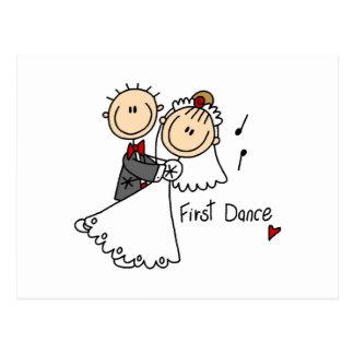Carte Postale Les jeunes mariés dansent d'abord le T-shirts et