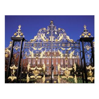 Carte Postale L'Europe, Angleterre, Londres. Porte dorée dehors