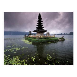 Carte Postale L'Indonésie, Bali, temple d'Ulun Danu