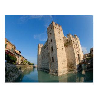 Carte Postale L'Italie, Sirmione, policier de lac, le Scaliger