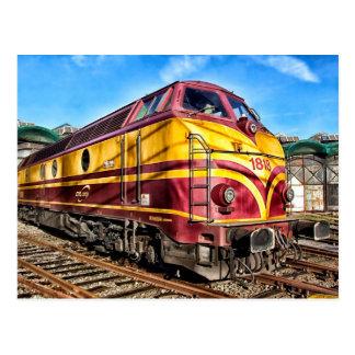 Carte postale locomotive rouge et jaune de train