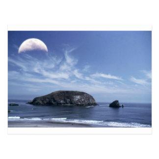 Carte Postale Lune au-dessus de meule de foin