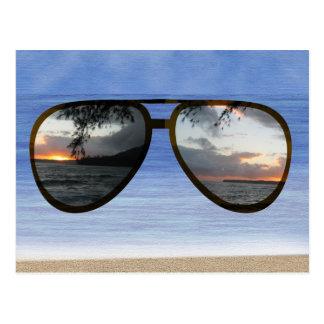 Carte Postale Lunettes de soleil de coucher du soleil d'Hawaï