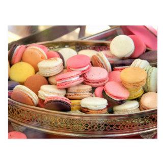 Carte Postale Macarons dans différentes couleurs