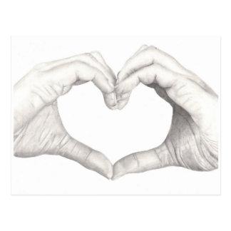 Carte Postale Mains dans la forme d'un coeur