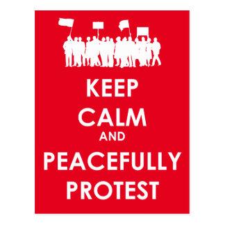Carte Postale Maintenez calme et protestez paisiblement (le