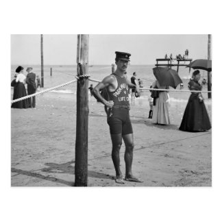 Carte Postale Maître nageur de plage de Brighton, les années