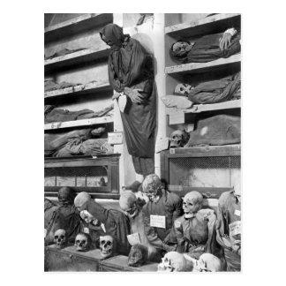 Carte Postale Mamans dans les catacombes de Palerme, Italie
