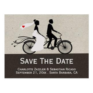 Carte Postale Mariage tandem mignon de jeunes mariés de vélo