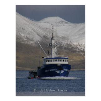 Carte Postale Marin de Bristol, bateau de crabe dans le port