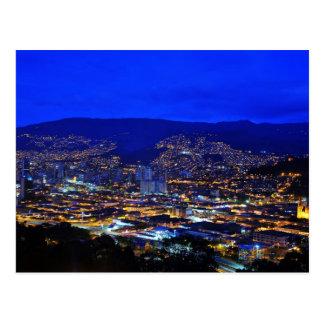 Carte Postale Medellin, la Colombie dans la nuit