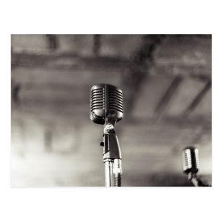 Carte Postale Microphone Audiophile noir et blanc vintage