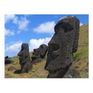 Carte Postale Moai sur l'île de Pâques