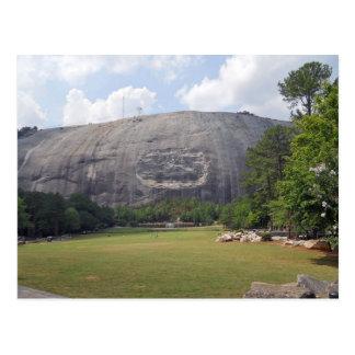 Carte Postale Montagne en pierre découpant la montagne en pierre