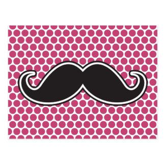 Carte Postale Motif de point fuchsia de polka de moustache noire