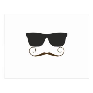 Carte Postale Moustache pimpante