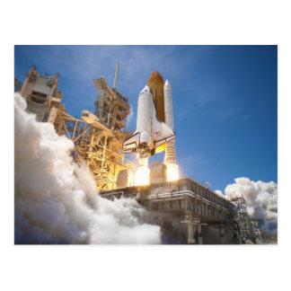 Carte Postale Navette spatiale l'Atlantide lançant la mission