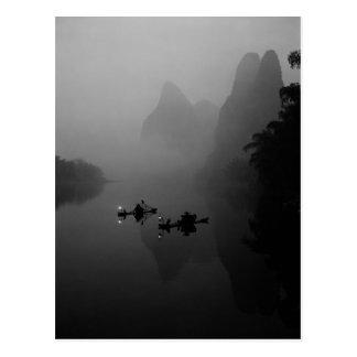 Carte Postale Noir et blanc, Chine, rivière de Li, pêcheur