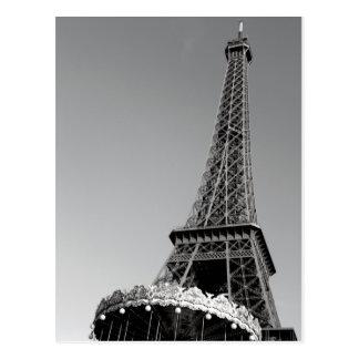 Carte postale noire et blanche de Tour Eiffel