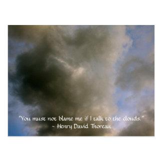 Carte Postale Nuages avec la citation de Henry David Thoreau