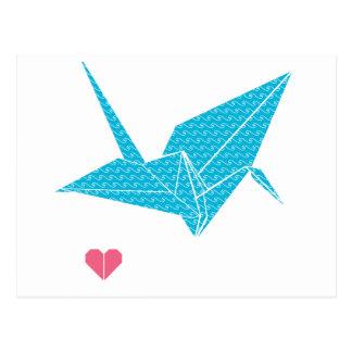 Carte Postale oiseau d'origami avec le coeur