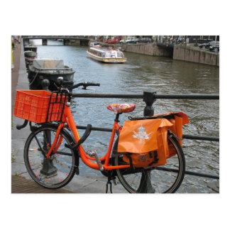 Carte postale orange de bicyclette