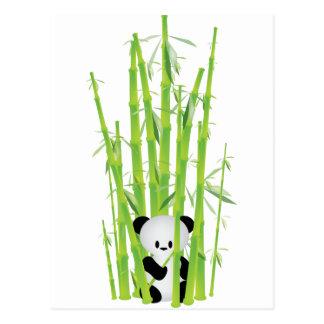 Carte Postale Panda de bébé dans la forêt en bambou