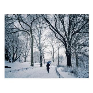 Carte Postale Parapluie bleu au pays des merveilles blanc