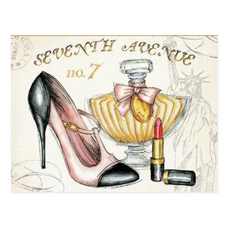 Carte Postale Parfum, rouge à lèvres rouge, et une chaussure
