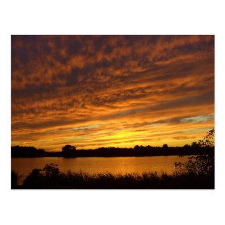 Carte Postale Peignez-le orange - coucher du soleil nuageux de