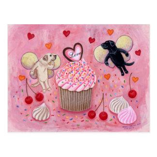 Carte Postale Peinture de fées de petit gâteau et de Labrador