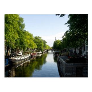 Carte Postale Péniches sur le canal d'Amsterdam