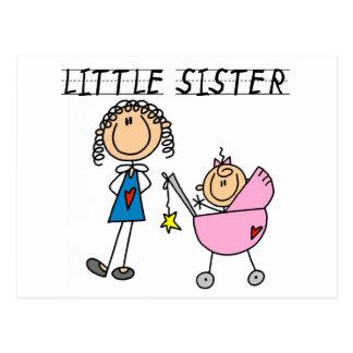 Carte Postale Petite soeur avec de grands T-shirts de SIS